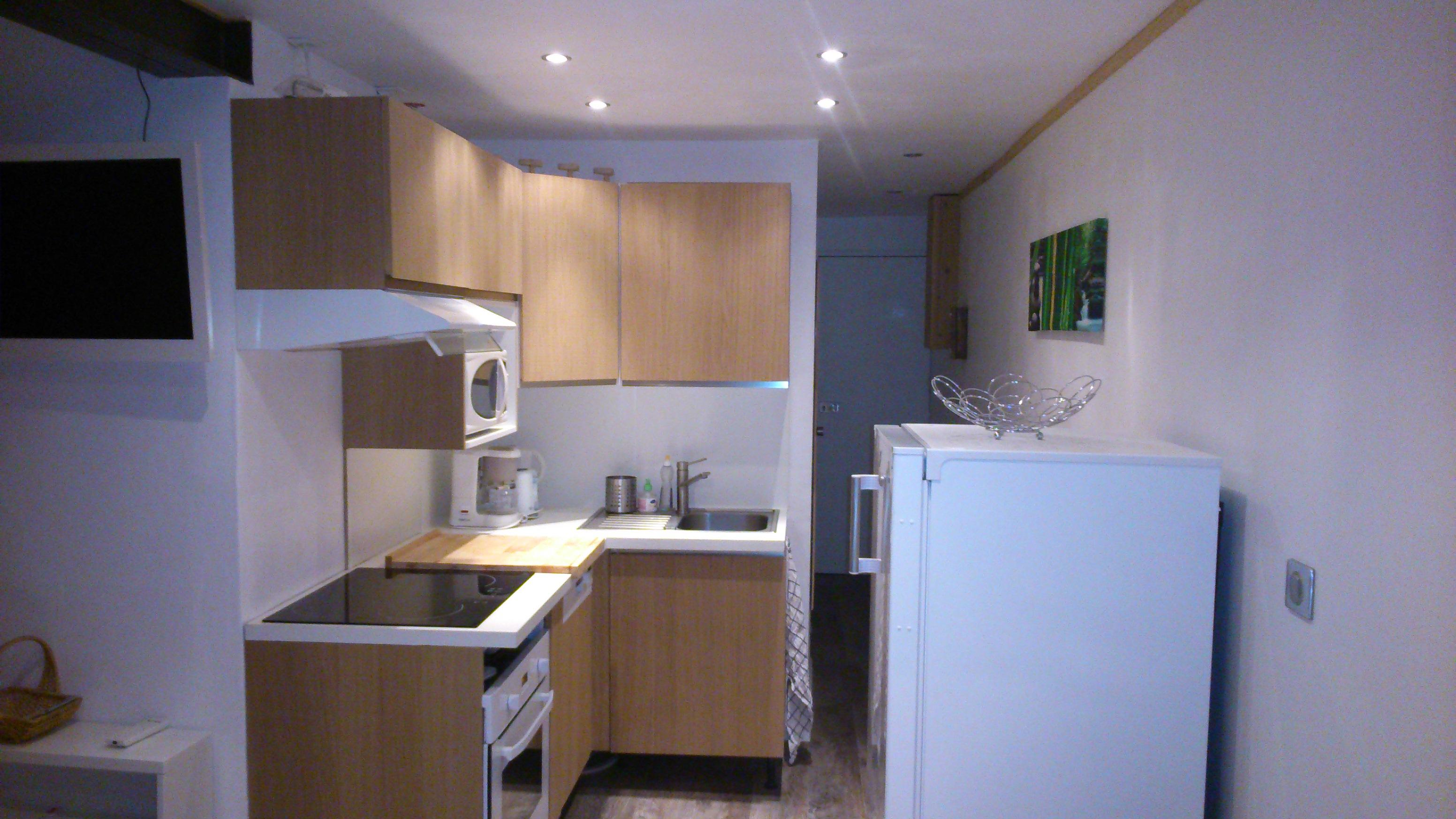r novation. Black Bedroom Furniture Sets. Home Design Ideas